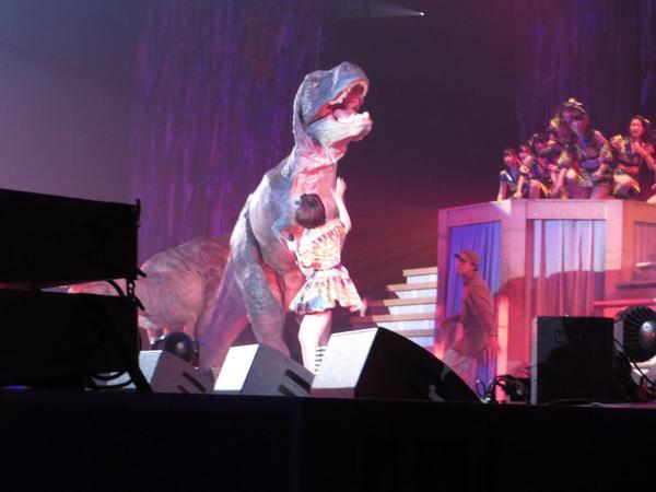 HKT48 Dinosaur