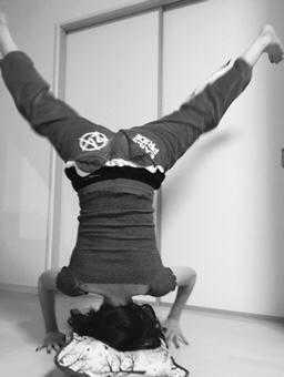 mogi handstand mogi shinobu 茂木忍
